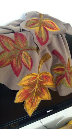 Fabric Painting On Clothes, Painted Clothes, Silk Painting, Nuno Felting, Needle Felting, Hand Painted Sarees, Fabric Paint Designs, Felt Dolls, Felt Art