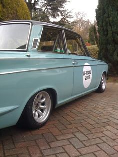 Breaking My cortina Zetec turbo British Sports Cars, British Car, Old Fashioned Cars, Ford Anglia, 1959 Cadillac, Old Pickup Trucks, Ford Classic Cars, Old Fords, Mercedes Benz Cars