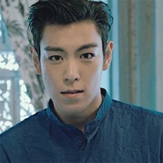 TOP omg I giggling and looked down at a gif lol idk what that says about me lol
