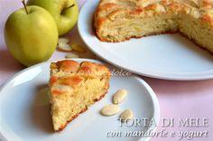 Torta di mele con mandorle e yogurt, ricetta senza burro