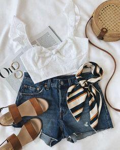 6fa95e02191  lovelulus ✨ (shop link in bio!) White Crop Top Outfit