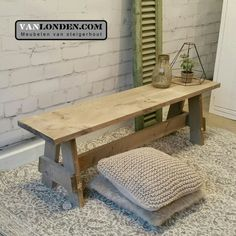 Bankje van steigerhout ... Voor in de gang of aan je tafel ... www.vanlonden.com Bench Furniture, Diy Furniture Projects, Farmhouse Furniture, Rustic Furniture, Wood Projects, Interior Garden, Interior Design, Diy Holz, Rustic Table