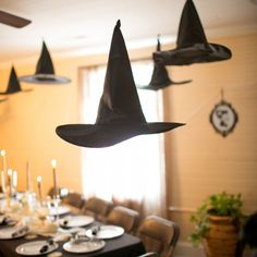 Witch hat decor for a Halloween wedding