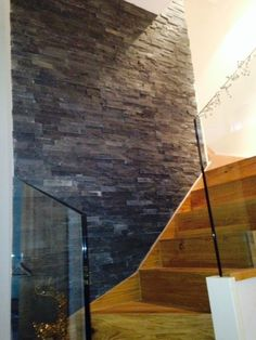 wall Tiles Exterior - Maxi Black Slate Split Face Mosaic Tile Z tile Cladding suitable for internal or external use. Brick Feature Wall, Feature Tiles, Tiled Hallway, Tile Stairs, Slate Wall Tiles, Wall Cladding Tiles, Tiles Direct, Stair Landing, Wall Finishes