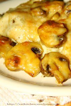 Pulpe de pui cu ciuperci si cascaval