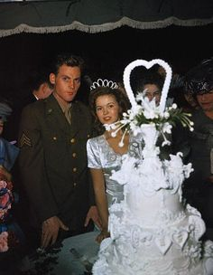 Shirley Temple and John Agar at their wedding in 1945