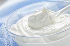8 Healthy Alternatives to Calorie Bomb Condiments & Ingredients - 12 Tomatoes Dairy Free Heavy Cream, Heavy Cream Substitute, Non Dairy Sour Cream, Cheesecake Frio, Creme Frangipane, Yogurt Benefits, Custard Sauce, Homemade Yogurt, Healthy Alternatives