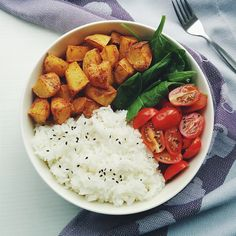 Dinner was jasmine rice , baked oil/salt free potato chiplets, spinach and cherry tomatoes.