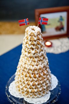 Kranse kakker.  A surprise, baked by a good friend of ours for our wedding.