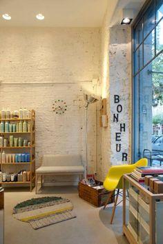 """Sube Susaeta Interiorismo diseña centro de belleza """"La Morla Hairdressing"""", Bilbao: Oficinas y tiendas de estilo Escandinavo de Sube Susaeta Interiorismo - Sube Contract Bilbao"""