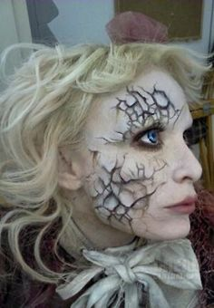 Cracked doll makeup. I know what I am going to be next year for Halloween.