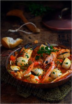 Bouillabaisse A classic French shellfish and fish stew recipe, prepared with the freshest possible seafood, caught and served the same day. Served with a spicy sauce rouille. Fish Recipes, Seafood Recipes, Great Recipes, Soup Recipes, Cooking Recipes, Simple Recipes, Fish Dishes, Seafood Dishes, Portuguese Recipes