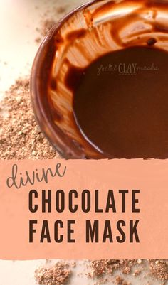 I love chocolate and it's divine in this nourishing, and cleansing cocao face mask recipe. Plus it's super simple to whip together with a clay base. Organic Skin Care, Natural Skin Care, Beauty Makeup Tips, Face Beauty, Beauty Hacks, Chocolate Face Mask, Diy Beauty Projects, Divine Chocolate, Best Skincare Products