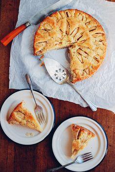 buttermilk apple cake