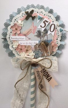 Shabby Chic Wreath, Shabby Chic Cards, Recycled Cd Crafts, Diy And Crafts, Scrapbook Paper Crafts, Paper Crafting, Scrapbooking, Candy Bar Bautizo, Moms 50th Birthday