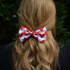 Hair Bow - Red and White Chevron Hair Bow, bows for hair, girls Hair bows, fabric bows, Hair Bow for teens and women Ask a Question Diy Hair Bows, Diy Bow, Chevron Scarves, Chevron Bow, Teen Hairstyles, Bridal Hairstyles, Fabric Bows, Cute Bows, Hair Looks