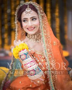 Tips For Planning The Perfect Wedding Day – Divine Bridal Asian Wedding Dress Pakistani, Pakistani Bridal Makeup, Bridal Mehndi Dresses, Wedding Dresses For Girls, Bridal Outfits, Pakistani Dresses, Indian Dresses, Indian Outfits, Bridal Photoshoot