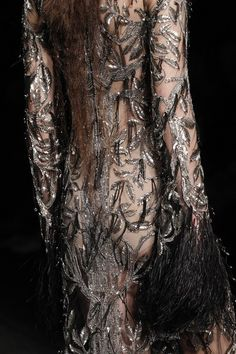 See detail photos for Alexander McQueen Fall 2017 Ready-to-Wear collection.