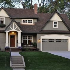 Home Exterior Paint Color Ideas. Home Exterior Paint Color Combinations. Home Exterior Paint Color Schemes. The body of the house is Benjamin Moore Copley Gray. Trim of the house is Benjamin Moore Elephant Tusk Exterior Paint Colors For House, Paint Colors For Home, Paint Colours, Outside House Paint Colors, Exterior Paint Ideas, Outdoor House Colors, Stucco House Colors, Outdoor House Paint, House Exterior Color Schemes