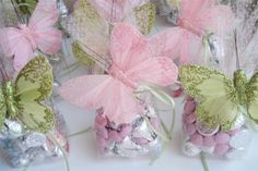 Perfect to give to each of your guests at your bridal shower. You can also give these adorable chic favors out at other affairs including: Babyshowers, Easter dinners, Sweet 16's, Quinceanera's, and Bat Mitzvah's to your female attendees.