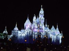 #Disneyland Christmas. My favorite vacation place to be