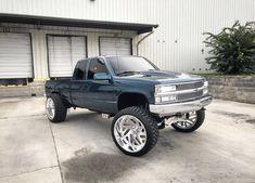 Custom Chevy Trucks, Chevy Pickup Trucks, Gm Trucks, Chevrolet Trucks, Diesel Trucks, 1995 Chevy Silverado, Camo Truck, Lifted Chevy Trucks, Lifted Ford