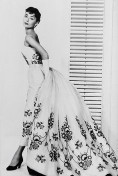 Audrey Hepburn as Sabrina in a Givenchy dress. What an icon.