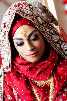 Hijabi Bride.  Muslim Brides // Aisle Perfect