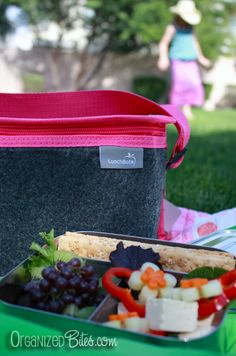 Review of a LunchBots Insulated Felt Lunch Bag, a stylish alternative for your tween or teen.
