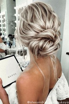 17 Chic Simple Formal Hairstyles Chignons For Elegant Brides Easy Smooth Low Chignon Hairstyle Tutorial - Weddings Prom . Quick and easy tutorial on how to create this beautiful smooth low chignon hairstyle! Great for medium to long Nurse Hairstyles, Prom Hairstyles For Short Hair, Chic Hairstyles, Wedding Hairstyles For Long Hair, Bride Hairstyles, Homecoming Hairstyles, Summer Hairstyles, Bridesmaid Hairstyles, Bridesmaid Hair Updo Messy