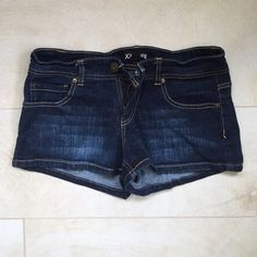 """Forever 21 Denim shorts Forever 21 -- XXI Premium denim -- size 27. Perfect condition only worn a few times! Very comfortable and stretchy. Inseam-2"""". Forever 21 Shorts Jean Shorts"""