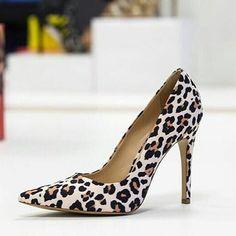 @loja_sabrinasabra Pense numa coleção simplesmente MARAVILHOSA! Pois é essa é a nova coleção de sapatos da @loja_sabrinasabra @loja_sabrinasabra! ESTÁ DE TIRAR O FÔLEGO ! Não deixe acabar o seu modelo preferido! Corra e já garanta a sua numeração ! - Pedidos pelo Whats App  (21) 99598-3355 _ @loja_sabrinasabra  @loja_sabrinasabra  @loja_sabrinasabra by dica4girls