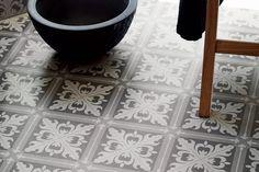 Gulvbelegg våtrom herskapsgrå: Nydelig gulv i herskapelig mønster bad vårtom