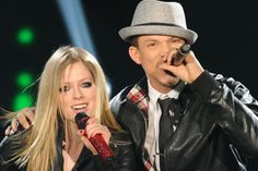Chris Rene and Avril Lavigne performing on the X-Factor