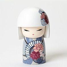 "Kimmidoll Nonomi Carefree Beauty Mini Figurine, 2.25"""