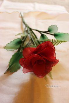 Piros csillámos rózsa felülről  Handmade Rosy Roses Nylon Flower