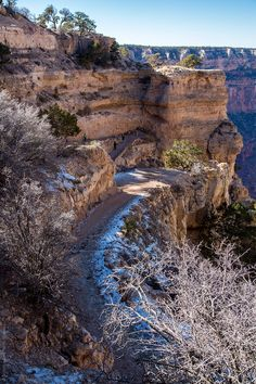 The South Kaibab Trail in the Grand Canyon South Rim gives you the best views, less people, and awesome photography opportunities. Grand Canyon Hiking, Grand Canyon South Rim, Trip To Grand Canyon, Grand Canon, Places To See, Places To Travel, Arizona Travel, Lake Powell, Best Hikes