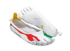 Vibram Fivefingers Classics Olympics Itlay SE - Barefoot running shoes are changing the way we look at footwear. Each model is designed for the activity in mind, creating a perfect fit and feel. Whether it's for running, cross fit, gym training, hiking and/or yoga Vibram Five Fingers has a shoe for you.