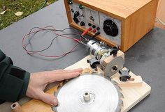 Table saw blade sharpening jig....innovation!!!! Read about it here... http://woodgears.ca/table_saw/sharpening_jig.html