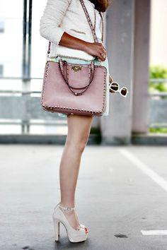 Street style - Valentino studded bag