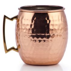 The warm traditional look of hammered copper in our Moscow Mule Mug is paired with a stylish brass handle for chic entertaining all year long.