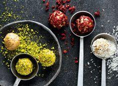 Pikantes Kürbis-Curry Rezept - REWE.de Snacks, Food, Pumpkin Curry, Curry Recipes, Cilantro, Mint, Fresh, Appetizers, Essen