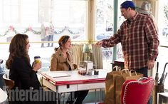 'Gilmore Girls': Exclusive First Look Inside Stars Hollow | Alexis Bledel…