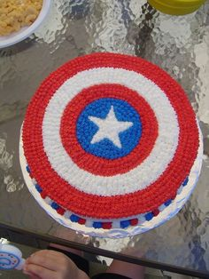 Captain America birthday cake - I may have to make this for a nephew just because it's cute!