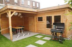 L-vorm Douglas houten overkapping met berging / tuinhuis - plat dak