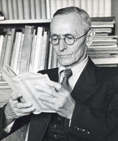 """""""Pour Hermann Hesse, le culte de la vitesse qui se développe dans le monde moderne est responsable du déclin de la joie de vivre qu'on y observe simultanément. Le premier est à la cause du second.""""  Daily inspiration. Discover more photos at..."""