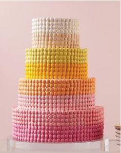 見ているだけでコチラまでハッピーになれちゃう!ラブリーすぎるウェディングケーキの数々
