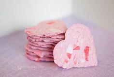 Bricolage de St-Valentin à faire soi-même - coeurs papier