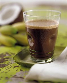 Iced coconut coffee with banana with Nespresso Volluto, Livanto or Decaffeinato espresso! I dont know what all of these words are, but it sure sounds good! Coffee Wine, Hot Coffee, Iced Coffee, Nespresso Recipes, Grand Cru, Coffee Recipes, Coconut Milk, Bon Appetit, Smoothies