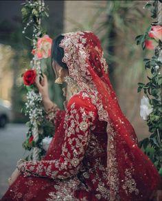Latest Bridal Dresses, Asian Bridal Dresses, Simple Pakistani Dresses, Pakistani Wedding Outfits, Indian Bridal Outfits, Bride Dresses, Fancy Dress Design, Bridal Dress Design, Pakistani Bridal Hairstyles